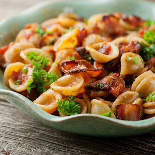 Pasta with Tomato Bacon Sauce