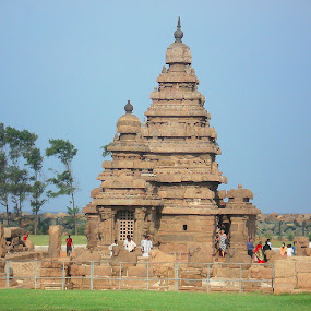 Mahabalipuram Shore Temple by Dinesh Kumar - Buildings & Architecture Public & Historical ( temple, shore temple, tourist place, mahabalipuram, tamilnadu )