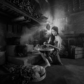 Balinese Women1 by Nyoman Sundra - Black & White Portraits & People ( balinese, traditional, kitchen, women, people, portrait )