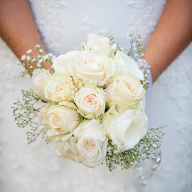 wedding bouquet by Daniel Charlton - Wedding Details ( details, wedding bouquet, wedding, bouquest, flowers, flower, bouquet )