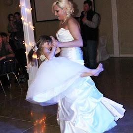Bride's dance with her daughter by Taryn Gillespie - Wedding Reception ( love, tarynchantelphotography, wedding, white, daughter, swing, photo,  )