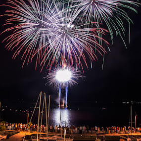 Fireworks by Luka Milevoj - Abstract Fire & Fireworks ( lago di garda, italia, fireworks, italy, limone )