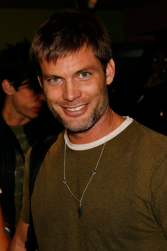mens medium hair style,-Casper Van Dien hairstyle