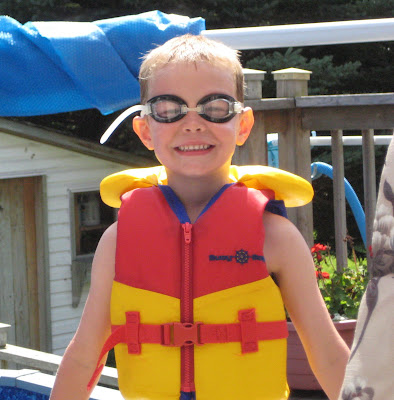 BigE with lifejacket and goggles