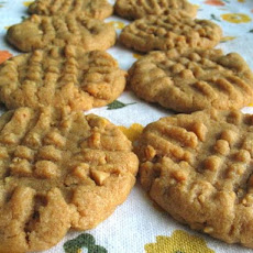 The Easiest Peanut Butter Cookies Ever - 3 Ingred.