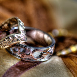 Rings by Andrew Williams - Wedding Details ( bands, jewellery, wedding, rings, gold )