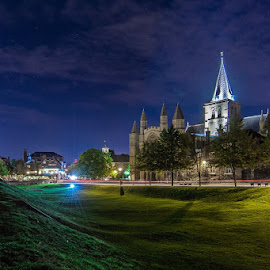 Rochester Cathedral by Sergiusz Rydosz - Buildings & Architecture Places of Worship ( urban, night, cathedral, architecture, light, rochester )