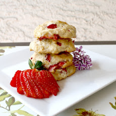 Strawberry Banana Shortbread Cookies