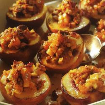 Baked Almond-stuffed Peaches