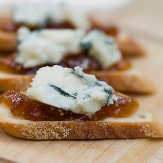 Walnut Gorgonzola Crostini With Crumble Fried Sage Recipes ...