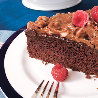 Chocolate Cake with Ganache and Praline Topping