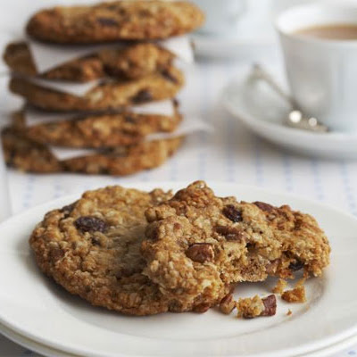 Maple, Pecan & Raisin Oaty Cookies