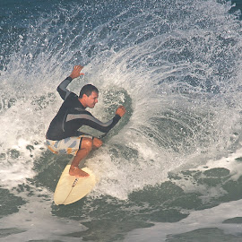 splash by Francisco Diniz - Sports & Fitness Surfing