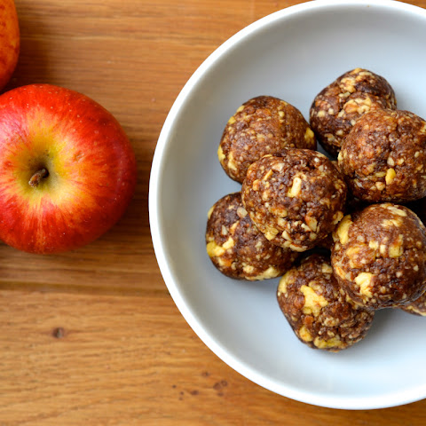 Apple Pie Energy Balls