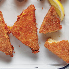 Mozzarella in Carozza (Fried Mozzarella Sandwiches)
