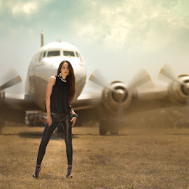 Plane sight by IDG Photography - People Portraits of Women