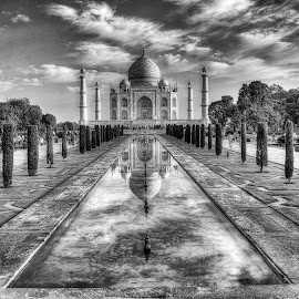 Dramatic Taj !! by Santanu Banerjee - Buildings & Architecture Public & Historical ( the taj, black & white, dramatic, taj mahal, wonder of world, agra, world wonder )