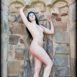 Shropshire castle Sarah by Mark Wood - Nudes & Boudoir Artistic Nude ( art nude, model, shrewsbury, location, alt, sarah,  )