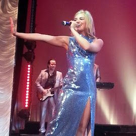 Lovely singer by Phil Grierson - People Musicians & Entertainers ( female, blue, singer, entertainment, dancer )