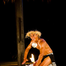 Knocking Knees by Sam Kynman-Cole - People Musicians & Entertainers ( cook islands, te vara nui, rarotonga, dance, dancer )