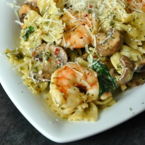 Shrimp Pasta with Pesto White Wine Sauce and Baby Kale Recept | Yummly