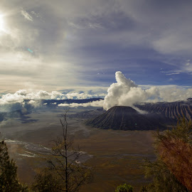 Thumb Up Formations by Nanang Setiawan - Landscapes Cloud Formations