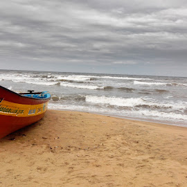 Mamallapuram Beach  by Ivon Murugesan - Instagram & Mobile Android ( mamallapuram, instagram, android, sea, indian beach, beach, boat, landscape, photography, mobilography, sky, mobile photos, india, mobile )