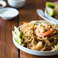 Shrimp Pad Thai For Four