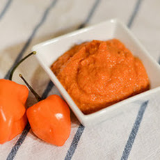 Roasted Carrot and Tomato Habanero Hot Sauce