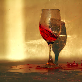 red wine by Μάιος Λουλούδι - Food & Drink Alcohol & Drinks ( wine, red, red wine, glass of wine, glass )