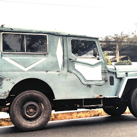 An Old Jeep by Megha Chagtoo - Instagram & Mobile Android ( car, sky, blue, jeep, green, white )