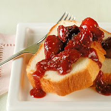 Strawberry Fig Sauce on Pound Cake