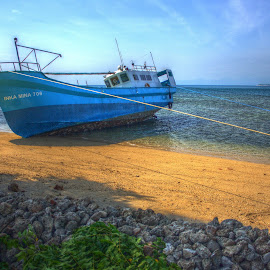 by Matty Gott - Transportation Boats ( low tide, fishing, lombok, gili gede )