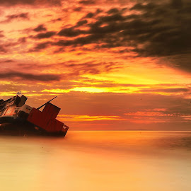 Sad Ship by IkanHiu Pegel Pegel - Landscapes Sunsets & Sunrises