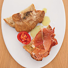 Warm Bread with Tomato and Ham