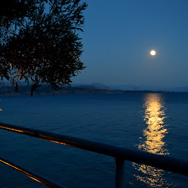 night in corfu by Wiktoria Kaminska - Novices Only Landscapes ( water, reflection, moon, sky, novice, greece, corfu, full moon, night, beach )