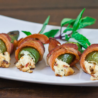 Screaming Stuffed Jalapeno Poppers