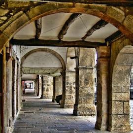 by Antonio Amen - City,  Street & Park  Street Scenes ( arcos, arcadas )