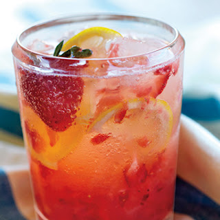 Spiked Strawberry Lemon Spritzer