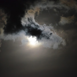 Moon rising by Clara Scarano Scubla - Novices Only Landscapes ( moon, dark clouds )
