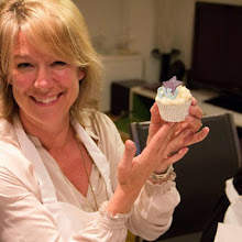 Cupcake Decorating with Rachel's Kitchen