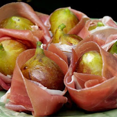 Fresh Figs Stuffed and Wrapped With Prosciutto