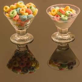 Breakfast.... by Rajeev Krishnan - Food & Drink Plated Food ( fruitloops, fruit, milk, food, food photography )
