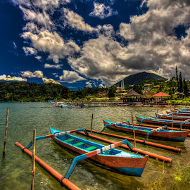 by NC Wong - Transportation Boats