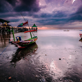 waiting for the rain by Nie Traveller - Landscapes Travel ( sky, indonesia, sunrise, beach, travel photography )