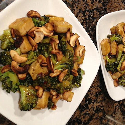 Broccoli Tofu Stir Fry With Cashews