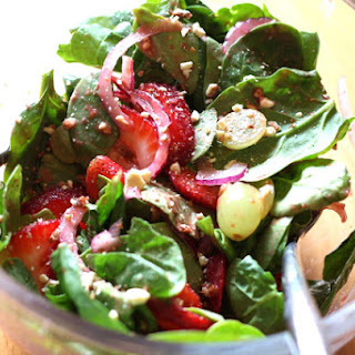 Spicy Spinach Fruit Salad with Strawberry Grape Vinaigrette