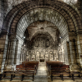 Sacre coeur crypt by Ben Hodges - Buildings & Architecture Places of Worship ( paris, sacre coeur, church, hdr, montmartre, basillica, france, crypt )