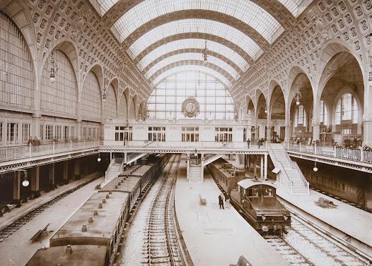 """Il s'agit de la première gare moderne conçue pour la traction électrique. En raison de leur forme, les motrices électriques étaient surnommées les """"boîtes à sel""""."""