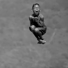 by DODY KUSUMA  - Babies & Children Children Candids ( Free, Freedom, Inspire, Inspiring, Inspirational, Places, People, Emotion, black and white, b&w, child, portrait )